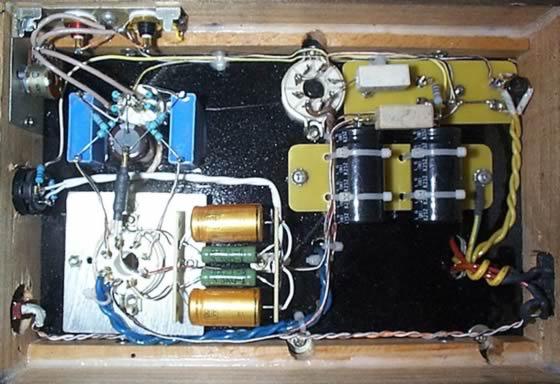 他的声音细节非常精确,可以听出更多的细节和空气感,弱音之间的区别变得非常明显。 我发现这个电路具有以下特点: 1。电路简洁,两个声道一个只需要2只双三极管,是最简单的耳放电路。 2。可以驱动低阻耳机。 3。两级放大之间使用直接偶合电路。 4。无大环路负反馈。 5。单端甲类输出。        元件选择: P1-ALPS 16 100K电位器 R1-1M/1瓦电阻 R2-33欧/0.