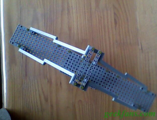 """制作用""""结构与设计""""套件制作的斜拉桥模型"""